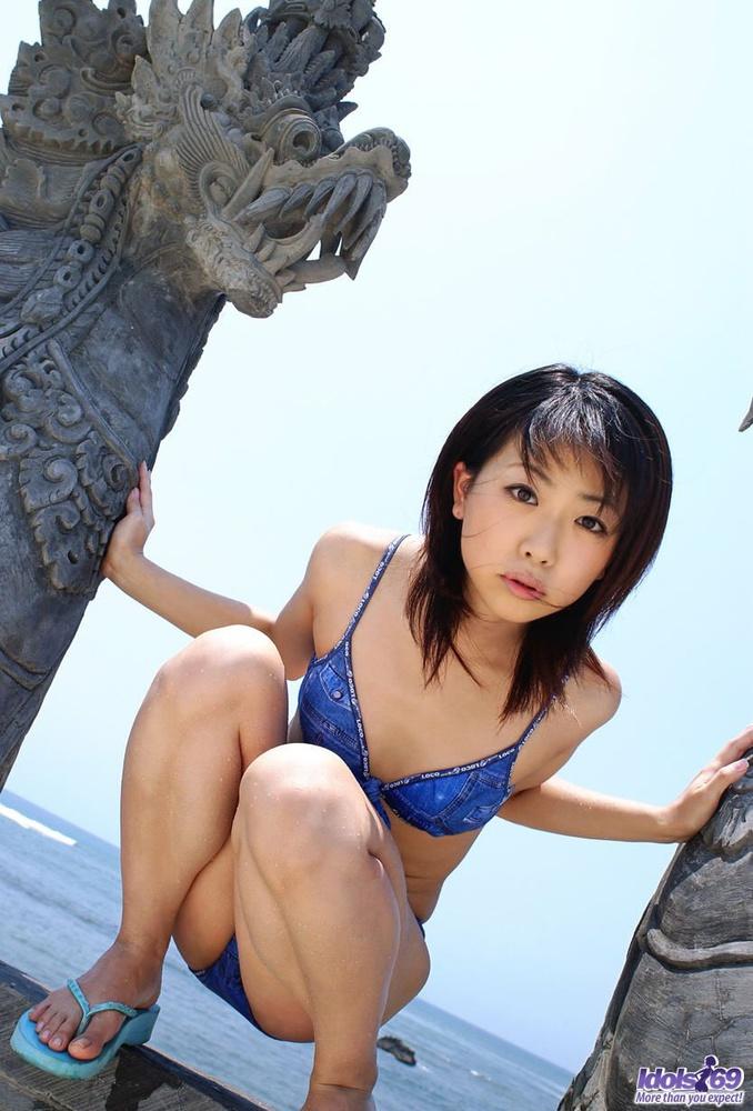 Something Lovely japanese model in black bikini criticising