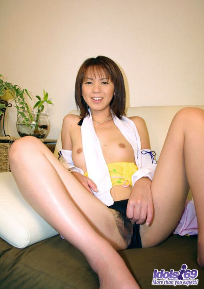 image Yuu kusunoki is a kinky little slut that loves to give a guy